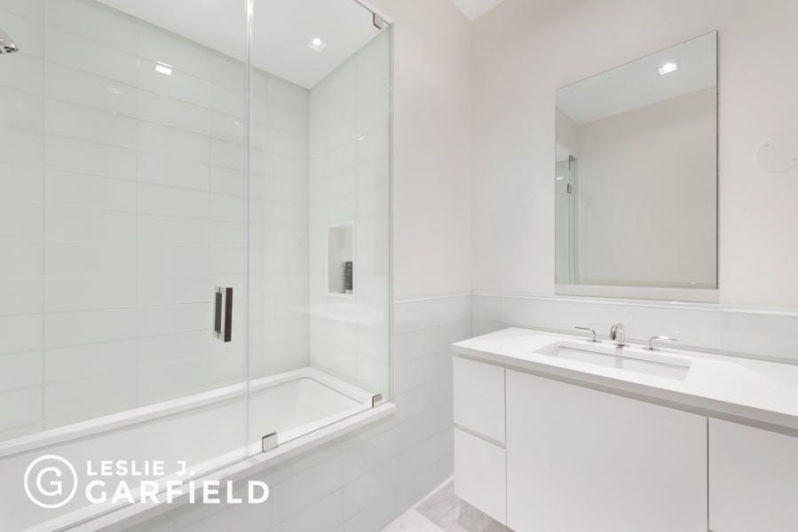 Brooklyn Heights-Pierrepont-bath3